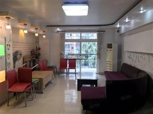 荣昌花园131平三房家具齐全南北通透看房随时家具齐