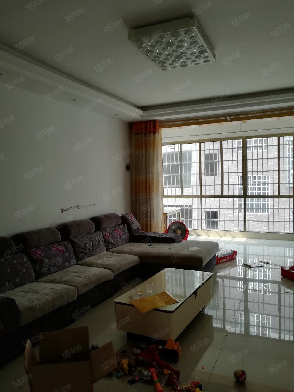 盛世宏城,6楼,130平三室二厅二卫,有证,30.8万