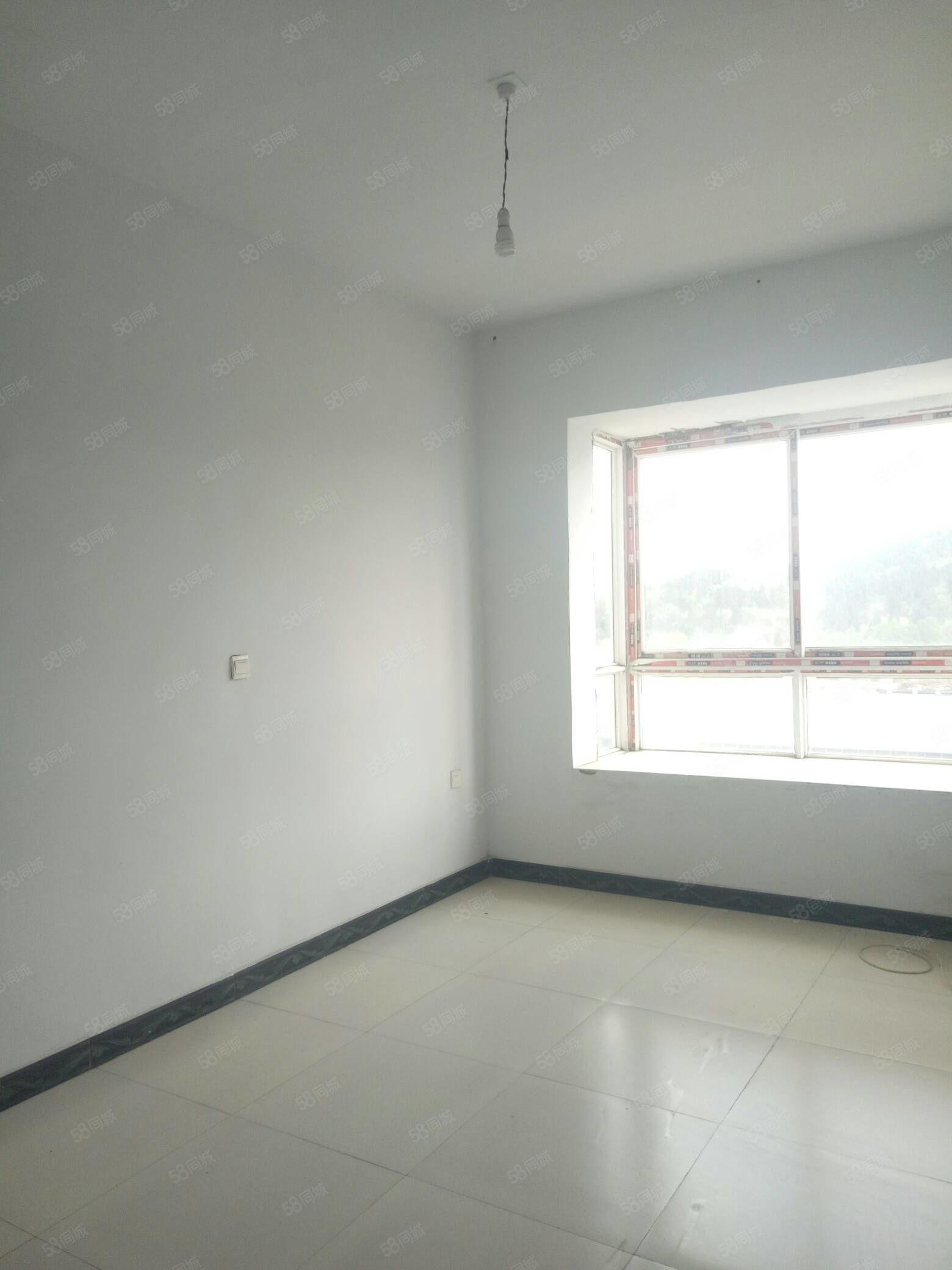 陶家湾中间楼层2室可改3室