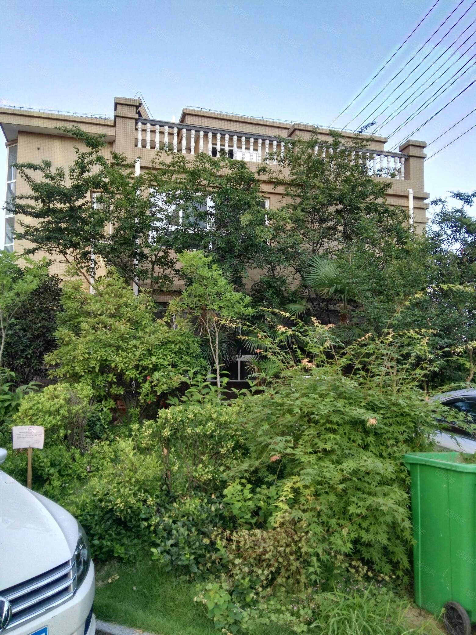 吉家家园小区别墅直接按揭218平方毛坯126万。