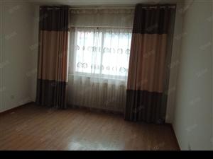世纪锦城,122平3室2厅1卫精装修组。年付15000元