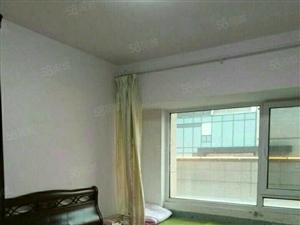 宝龙社区套二,双气地暖,家具家电齐全拎包入住,干净卫生。