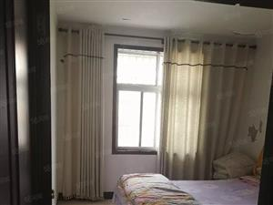 凤凰公寓三室二厅二卫精装修