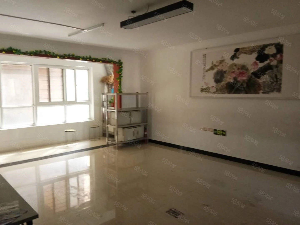 瑞星花园5室2厅2卫精装修191.2平方适合办公