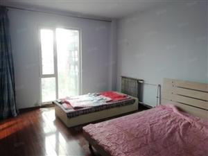 渤海大学西门商大里4楼2室1厅