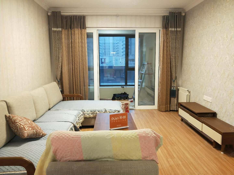 万科一期洋房,近地铁口,精装双气,全新好家居,随时拎包入住