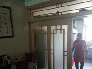 友谊广场2楼130平米3室2厅1卫可以按揭
