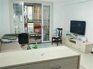 长龙中央公园2房2厅一楼家具家电齐全有证40.5万