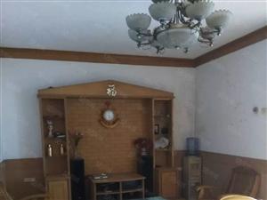 阳新文化宫翔龙小区3楼出租,3室2厅,可配家电,租金协商