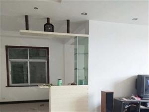 铅山清湖路45楼,四楼四室两厅两卫精装修,五楼毛坯低价出售