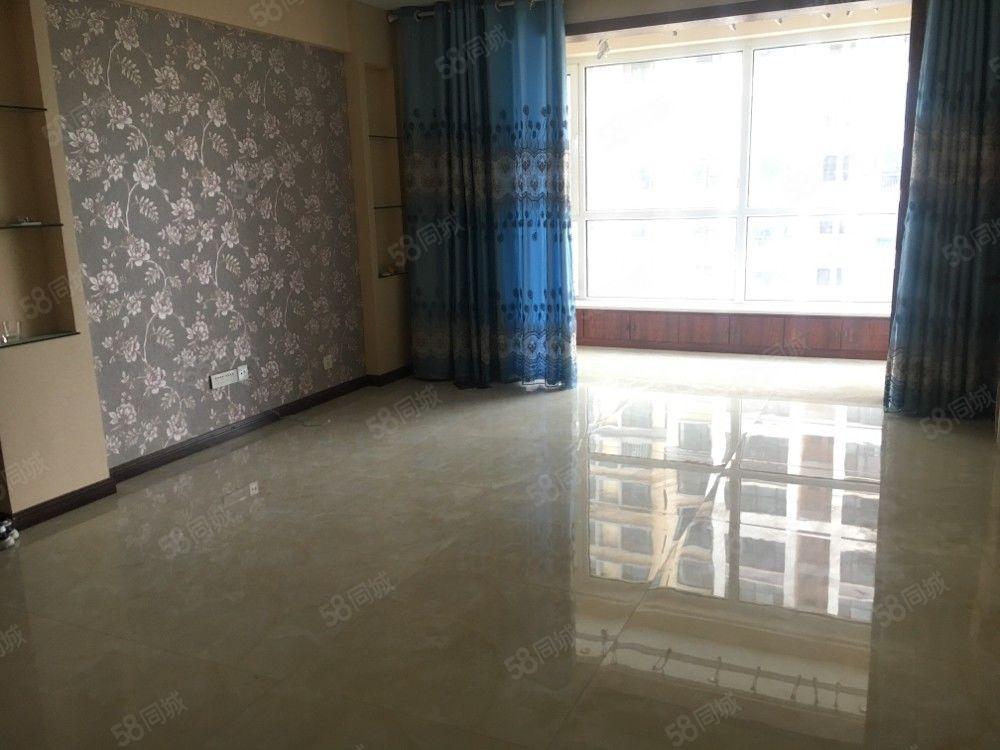 枣林路天佑家园三室两厅一卫精装新房随时看房简单家具