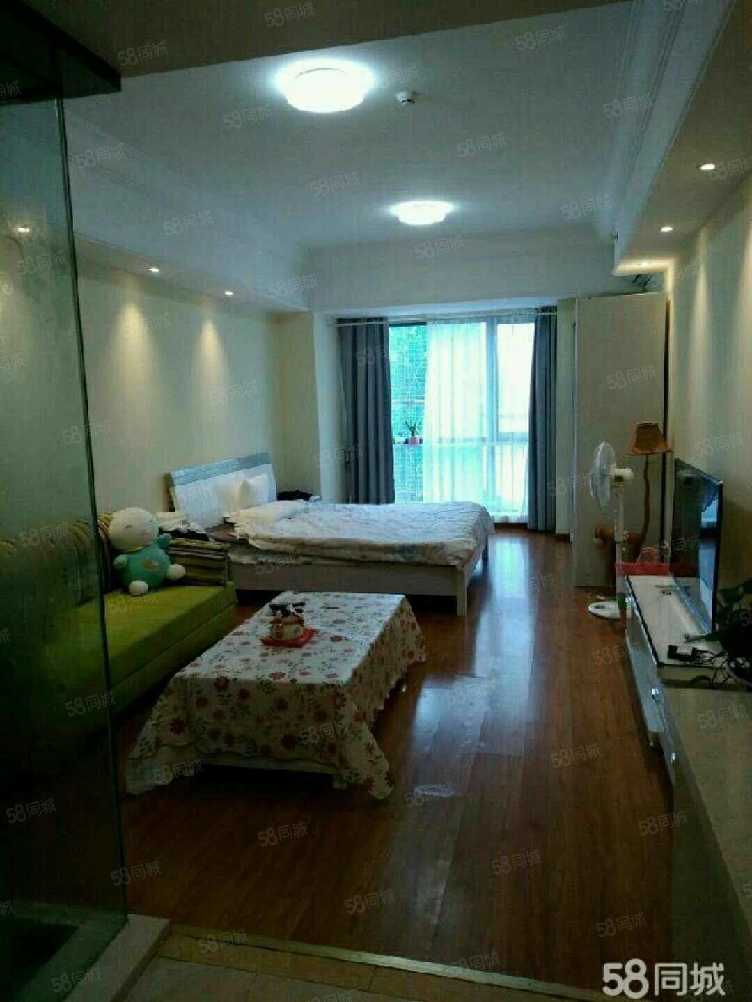 万达公寓,精装一室,家电全齐拎包入住