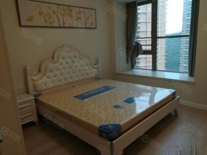 新香洲实验小对面中珠上城全新豪装2室2厅诚心出租3200
