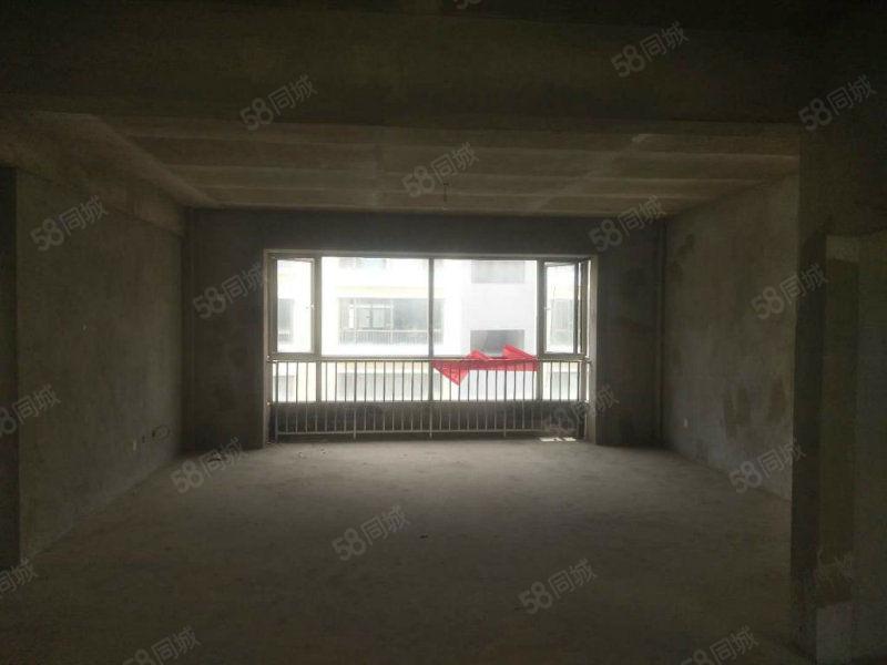 南湖边!超,值4居室,5楼!毛坯3800!!仅.此一套