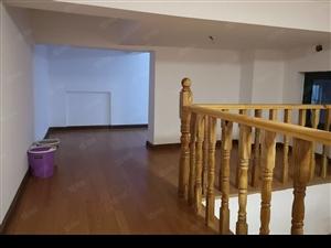 精装修复试一二楼买一层送一层采光好出入方便随时看房