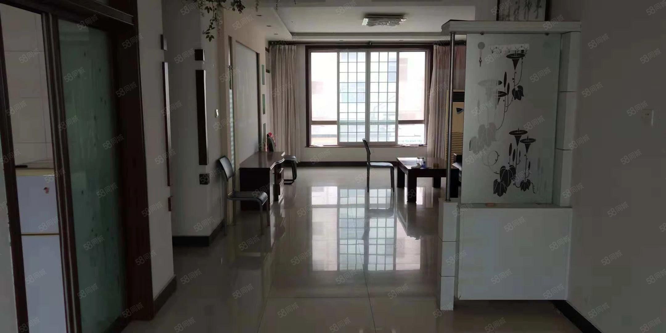 黄三渤四,110平,一楼,3室2厅1卫,1100/月领包入住