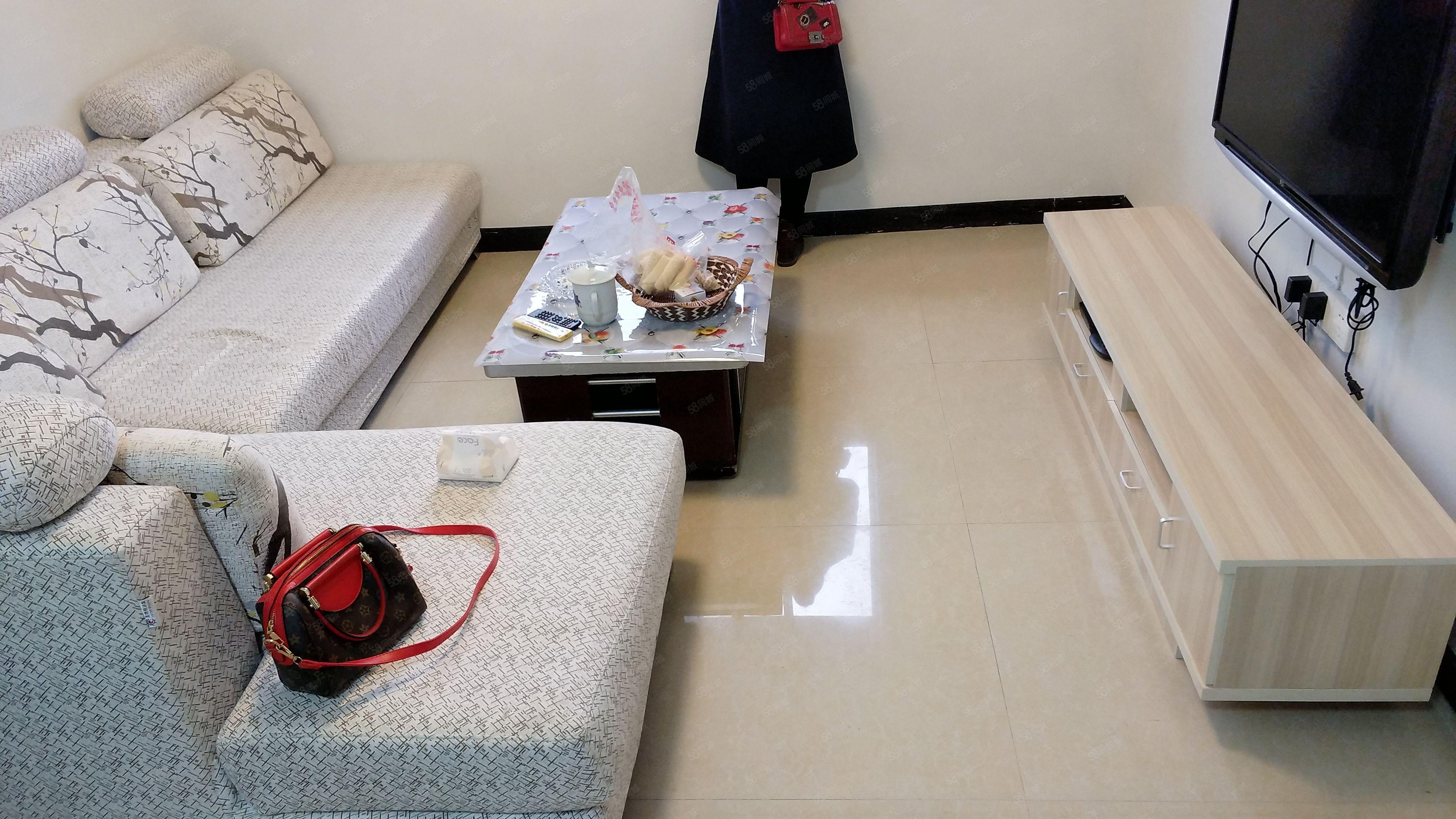 河东新城附近精装修一室出租