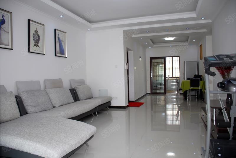 急售万达熙龙湾:豪华装修两房两厅家具家电齐全环境优美