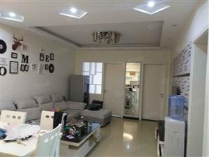 紫金华府三室两厅精装,超划算。仅此一套全新
