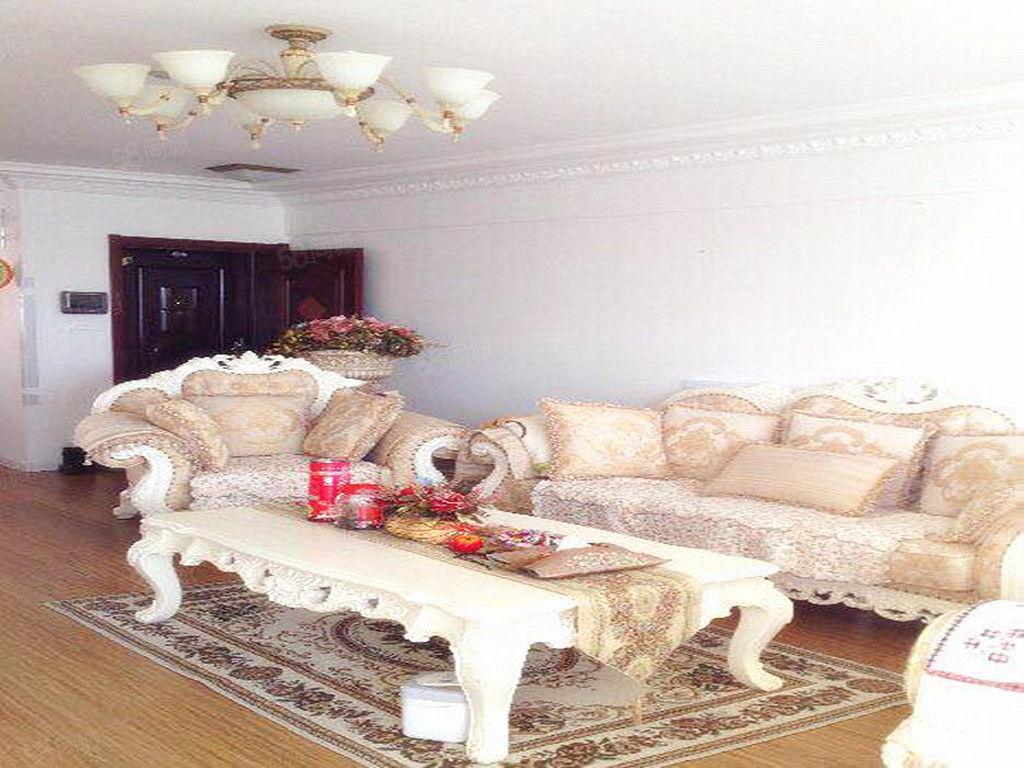精装三室,紧邻渤海大学,拎包入住,南北,带家具家电包取暖
