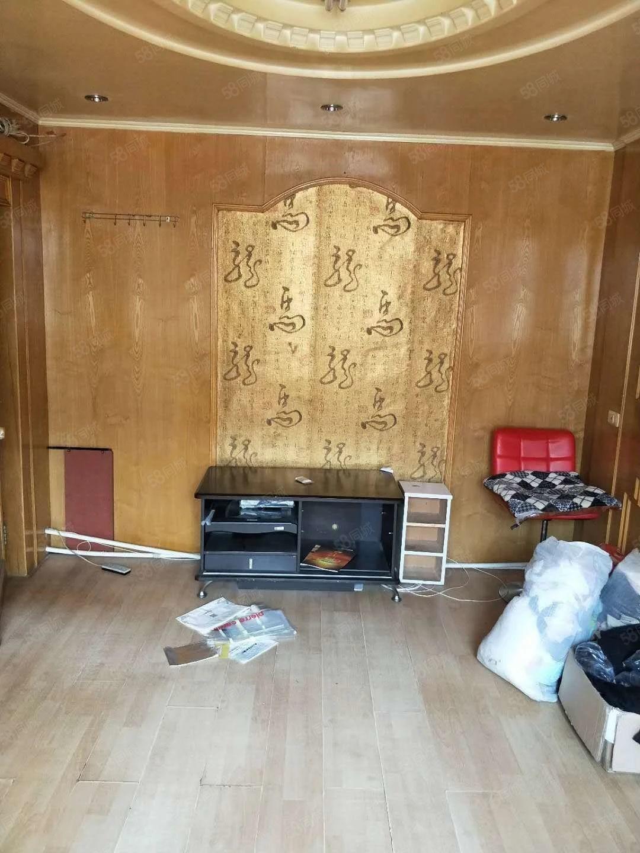 塔东小区32平单室简单装修年付