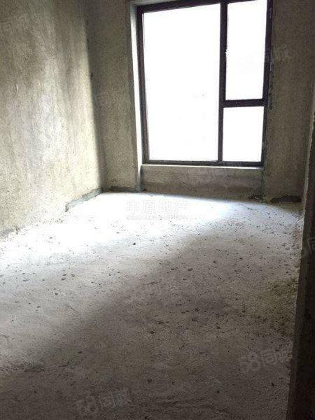 出售金港星城别墅毛坯5室2厅2卫2厨价格低好位置