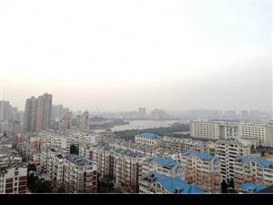 宏洋凤凰城,优质房源,好楼层,南北通透!交通便利,房!