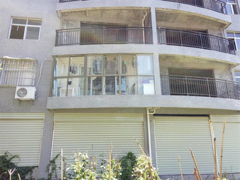第二实验小学旁边3房2厅2卫售价72万