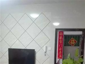 溪南小学旁边全新精装磁砖上墙漂亮3房