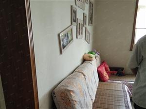 两室两厅一卫精装修急,急急