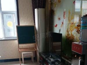 洗马堰格林小镇4层共13层,三室两厅精装修,大红本。可商量