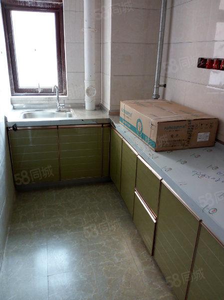 (个人)万达正对面《木马嘉园》精装两室空调电视厨卫拎包入住!