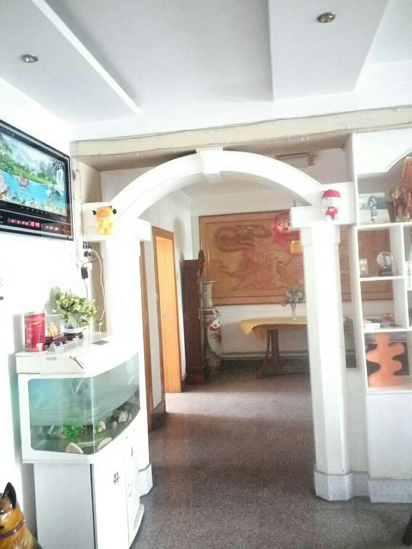 急售枣店阁小学附近好楼层单位宿舍3室向阳供暖免税实际面积大的