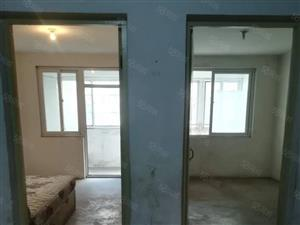 杨柳国际新城3室110平没铺地热水器位置好