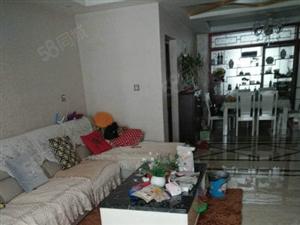 尚鼎国际,阔绰客厅,超大阳台