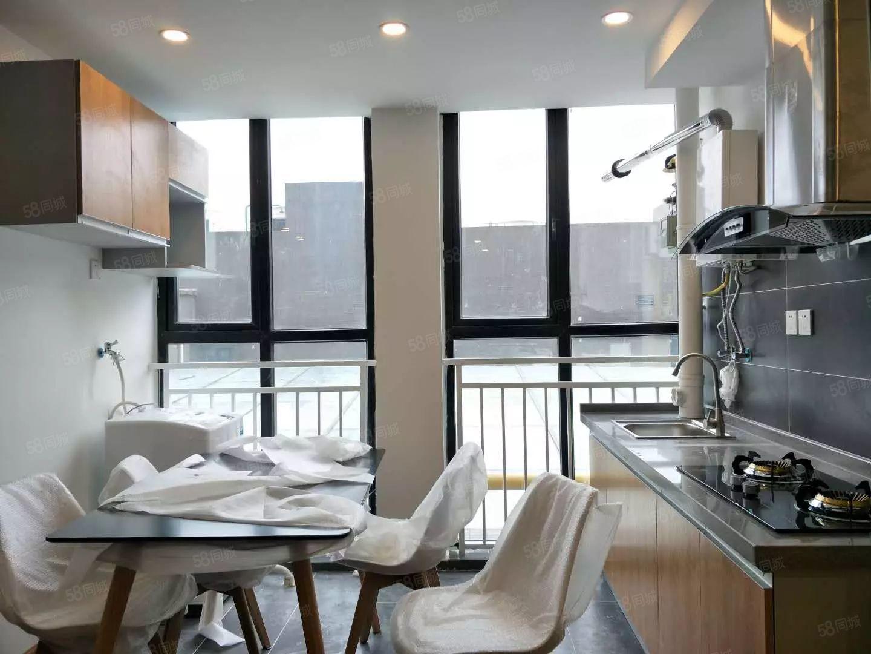 全新精装跃层公寓+从未住过+全新家具家电