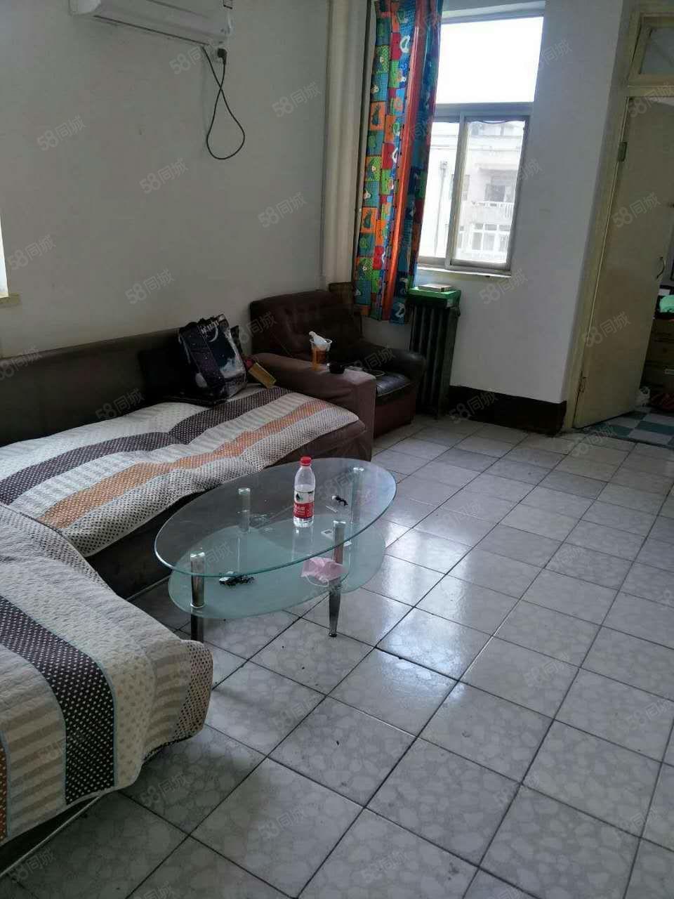 汇通十字附近两室两厅带家具家电拎包入住出租
