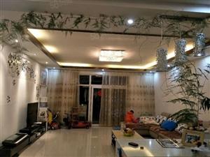 凤麓湖畔4楼3室2厅2卫146平米售68万