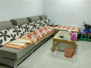 锦绣苑1层4室2厅空调四台太阳能电视机冰箱洗衣机沙发床四张