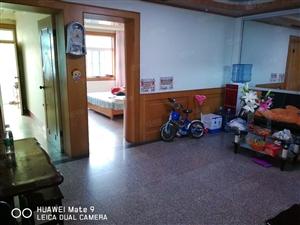 港务局宿舍楼中装3室2厅1卫出租