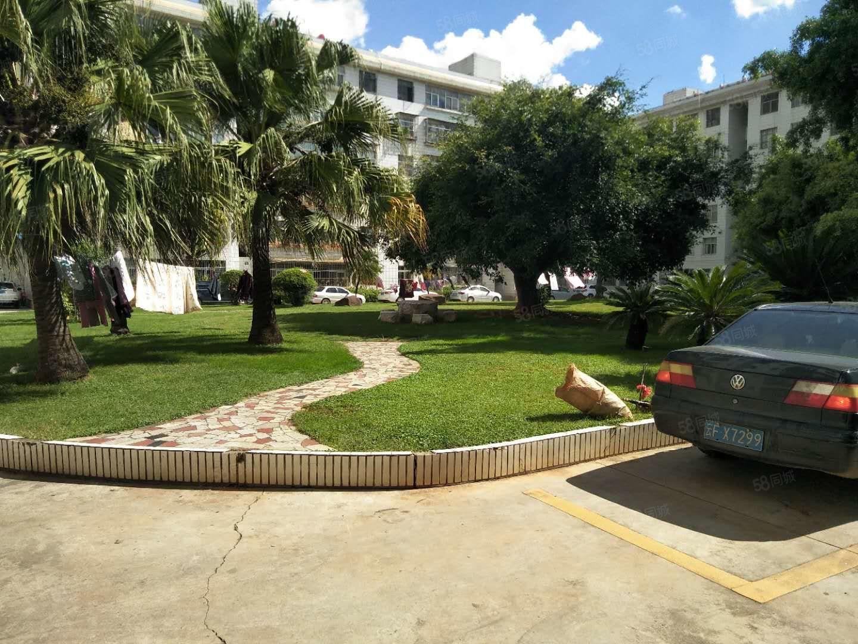 二医院生活区1楼出入方便4居室1600/月澳门金沙平台