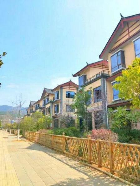 景观现房公寓30平总价25万,有送露台有的送空中花园22平