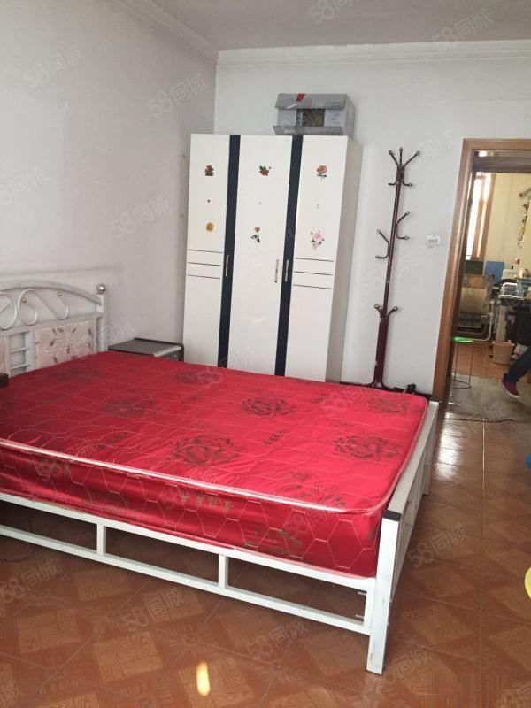 联盟路木器厂家属院两室简装急售全款