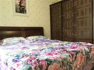华富商业城全新装修2室,拎包入住,什么都有,就是没有美女哈