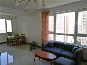 曼哈顿E区河景房精装2室包取暖物业电梯拎包入住