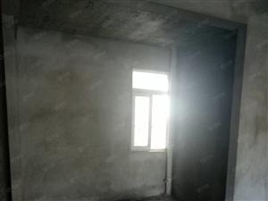 盛世名宅126平方电梯房带50平方露台