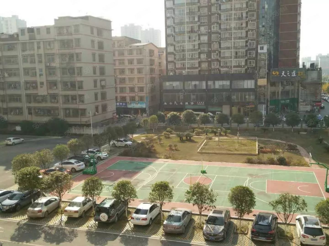 海天花园潇湘公园正对面南北通透带超大露台仅此一套
