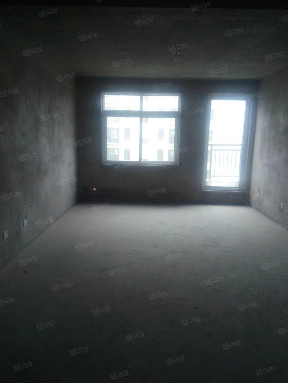 出售旭日华城3室2厅毛坯房空间大价格合理