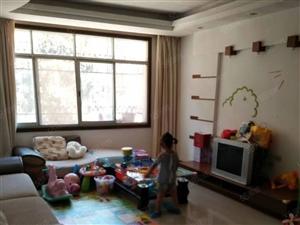 生态小区精装修三室两厅两卫139平米出售45万