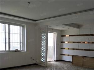 融辉城130平米大三房精装修,手续齐全